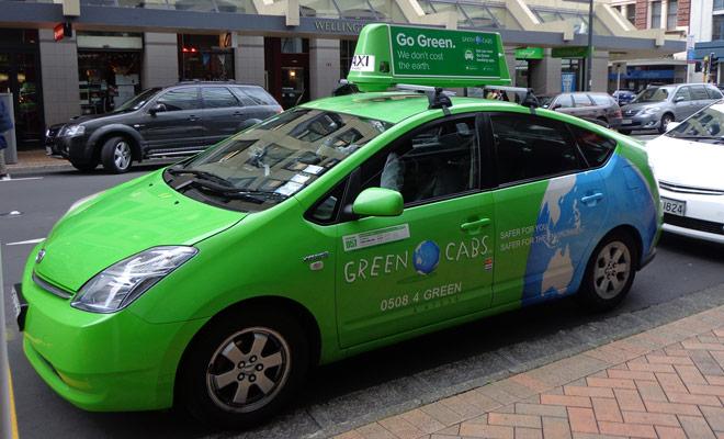 Los taxis Green Cab de Auckland son fáciles de detectar gracias a su color verde. Puede pedir prestado para llegar al aeropuerto o al hotel.