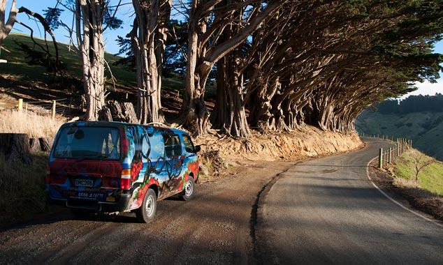La minivan es ideal para visitar el país mientras busca trabajo.