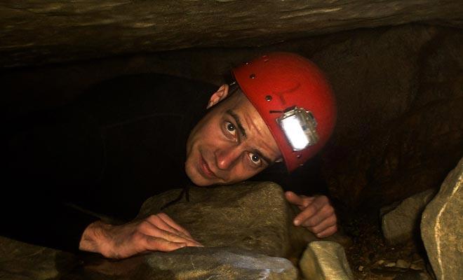 Sommige excursies vereisen het dragen van helmen, zoals u soms door smalle holtes moet kruipen.