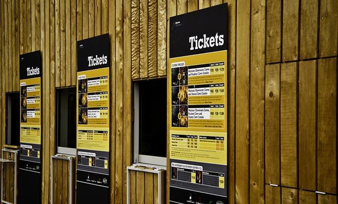 Usted puede comprar sus entradas en el sitio, pero a menudo se benefician de descuentos por reserva en línea.