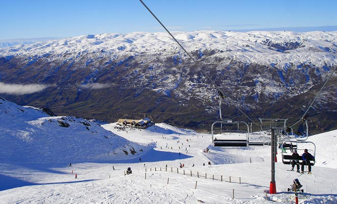 Veel kandidaten voor de Working Holiday Visa hopen te werken in skigebieden. De sfeer en vooral het adembenemende landschap maken het een buitengewone ervaring.