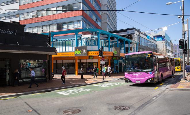 Kiwipal adviseert u tijdens het gehele verblijf hetzelfde voertuig te houden. Het lijkt interessant om de auto te retourneren voordat u van eiland verandert, maar Nieuw-Zeeland is een land waar u gemotoriseerd moet worden. Natuurlijk bestaan er alternatieve oplossingen (vooral de bus), maar ze zijn niet optimaal.