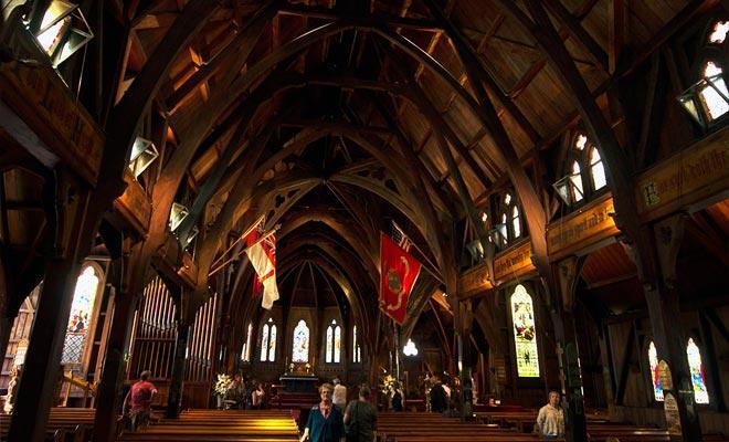 La catedral de Wellington está construida enteramente de madera, dándole un encanto muy especial.