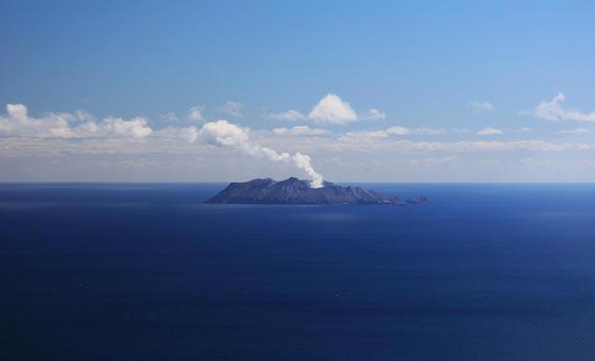 White Island ligt van het Noordelijk Eiland, in de Golf van overvloed.