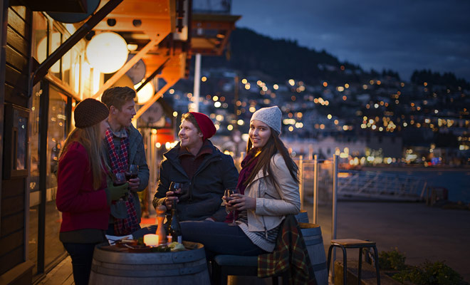 Es mejor regresar de Nueva Zelanda con una buena botella para compartir con la familia que con llaveros o recuerdos hechos principalmente en China.