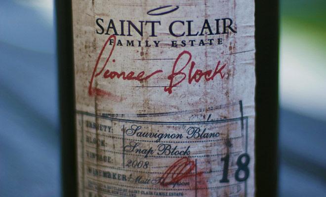 Si fuera absolutamente necesario elegir un vino de Nueva Zelanda, sería el Pioneer Bloque de Saint Clair Family Estate, un delicioso 2008 Sauvignon Blanc.