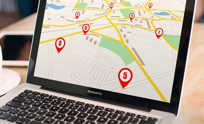 Voordat u naar een onroerendgoedadvertentie haast, begint u door de stad te bezoeken en te zoeken naar accommodatie dicht bij uw werkplek.