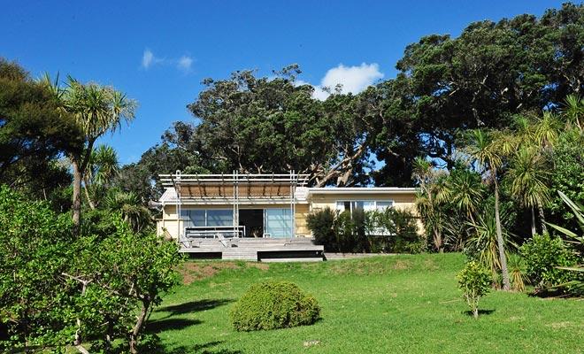 Bachs (ook wel cribs genoemd) zijn kleine huizen verloren op het platteland of aan de kust. Ze zijn perfect voor een weekendvakantie als u de kosten van de huurprijs met uw vrienden deelt.