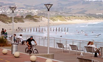 Las calles inclinadas de la ciudad no son ideales para el ciclismo, pero la zona está bien adaptada para ello.