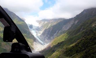 Las empresas proponen volar sobre el Glaciar Fox en helicóptero.