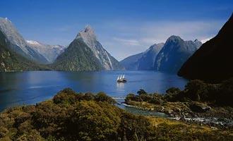 De meeste cruises volgen dezelfde route naar de Tasmanzee.