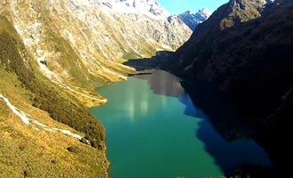 Met de helikopter vliegen over het Fiordland kunt u genieten van het landschap terwijl u tijd bespaart.