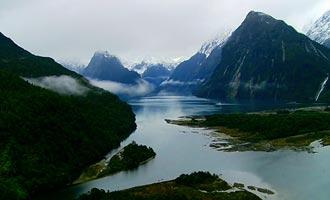 Milford Sound es uno de los fiordos más bellos del mundo.