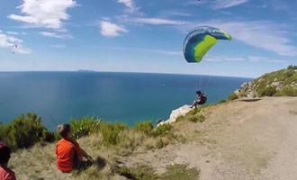Este video le muestra lo que puede esperar si intenta practicar el parapente en Tauranga.
