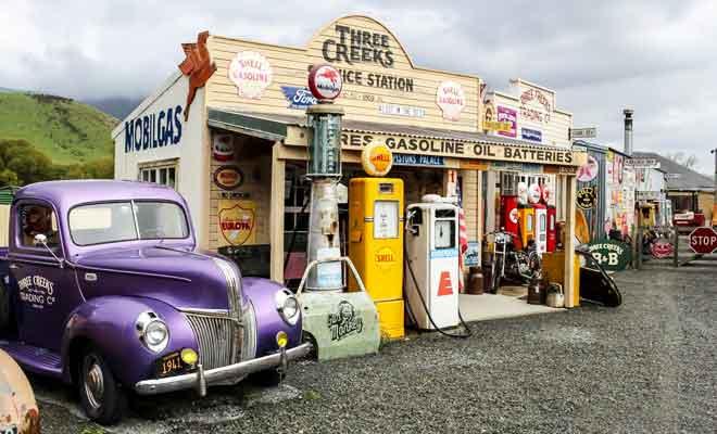 Three Creeks village vintage