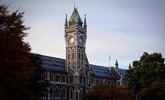 La tradition universitaire de Dunedin s'est imposée au fil du temps.