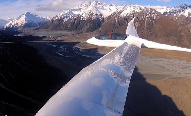 Mis à part l'hélicoptère, le planeur est une excellente manière de survoler la région.
