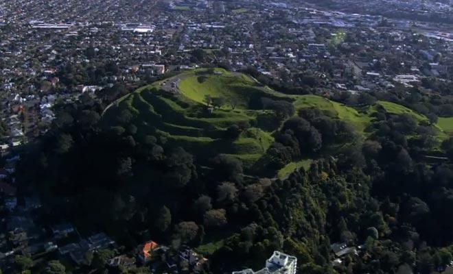 La région d'Auckland comporte de nombreux volcans éteints depuis plusieurs siècles.