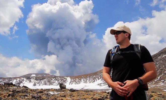 La dernière éruption a eu lieu en journée tandis que des visiteurs arpentaient le parc.
