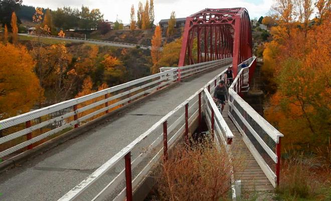 Venez faire du vélo à Wanaka durant l'automne pour profiter des belles couleurs de l'arrière-saison.