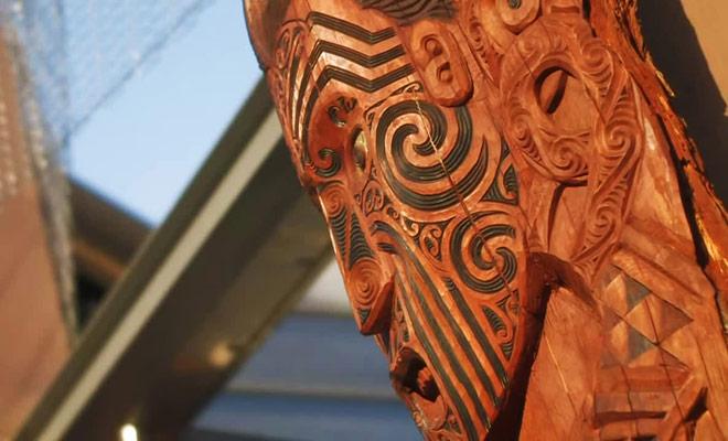 Voici une vidéo de présentation de Te Puia, qui est à la fois un parc géothermique et un centre culturel sur la culture Maorie.